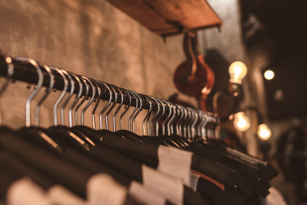 equipamentos-para-loja-de-roupas